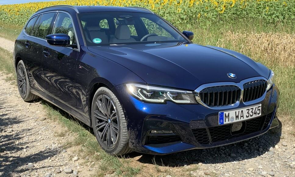 HARMONI: BMW har etter vår mening lykkes med å gi den nye Touring-utgaven av sin 3-serie en velproporsjonert eleganse som gir den en personlighet enda mer fjern fra nyttekjøretøyenes verden enn den forrige generasjon hadde. Foto: Knut Moberg