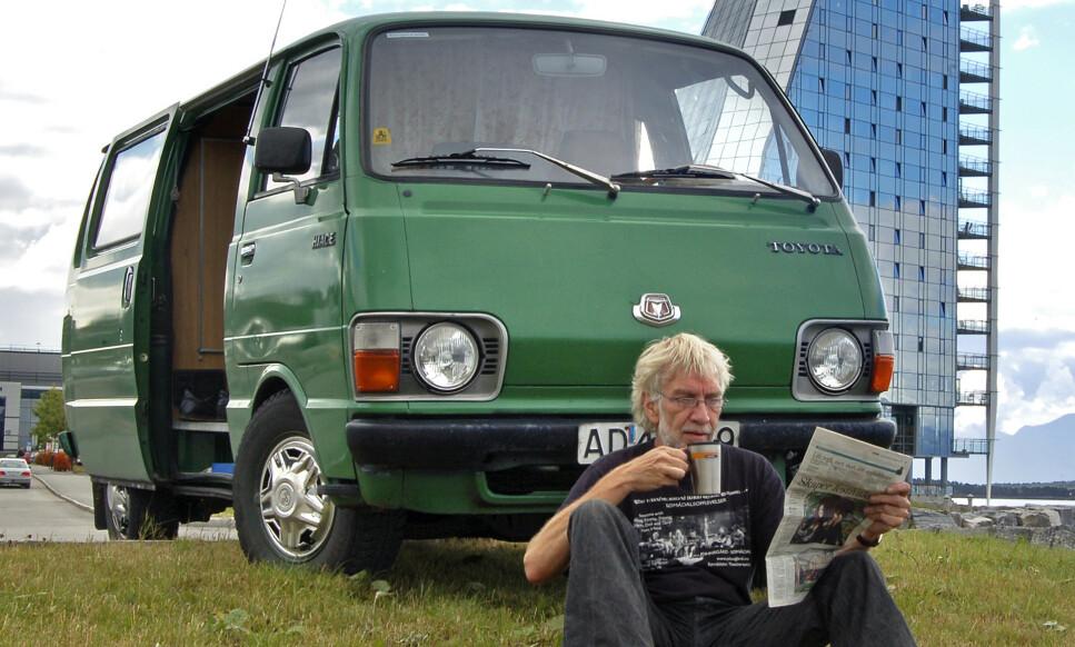 PENGEKASSE: Har du en gammel Toyota Hiace - og kanskje bobil-utgaven som vår mann, Geir Hovensjø, har eid - sitter du på Norges mest lettsolgte bil. Foto: PRIVAT