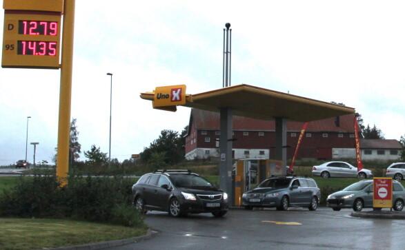 I kø for billig bensin