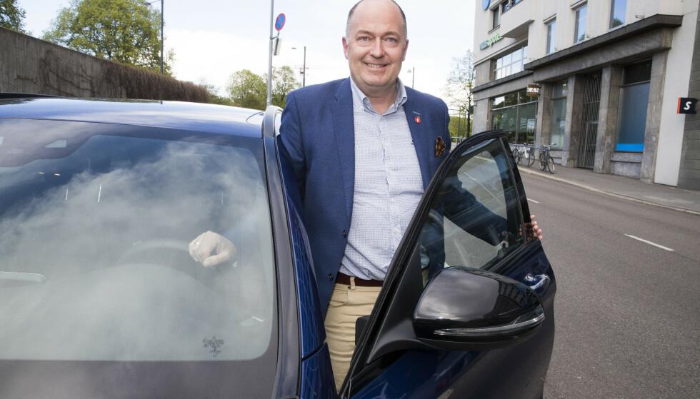 ØNSKER ENDRING: Morten Stordalen, transportpolitisk talsmann i Frp, sier det er ingen grunn til at staten skal være de eneste som kan godkjenne førerkort. Foto: NTB Scanpix