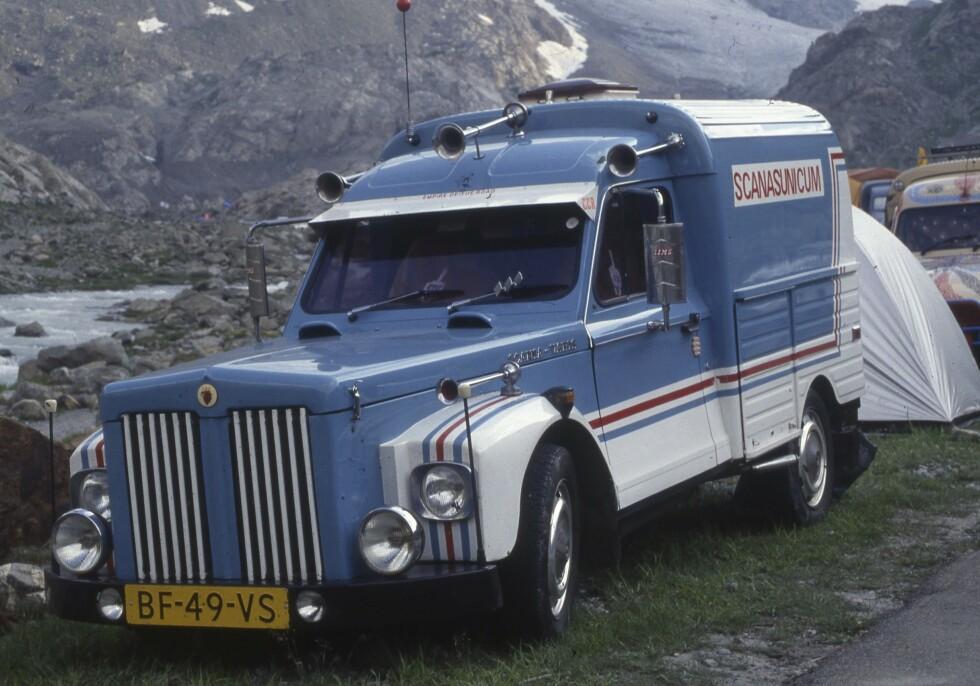 «SVENSK»: Tosylindret Acadiane varebil med mektig Scania-front. Foto: Geir Hovensjø