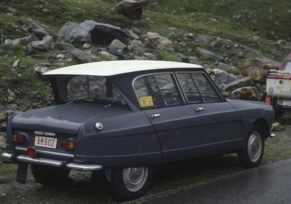 AMI 6:Omvendt bakrute på sedanen. Foto: Geir Hovensjø