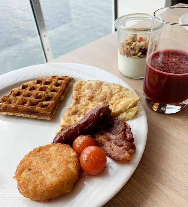 Innbydende frokost som er inkludert om du velger Commodore Class-lugar. Foto: Berit B. Njarga
