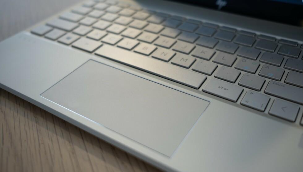 STYREFLATE: HP Envy 13 har en god styreflate. Foto: Martin Kynningsrud Størbu
