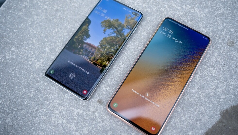 <strong>Fra venstre:</strong> Samsung Galaxy S10+ og Galaxy A80. Foto: Martin Kynningsrud Størbu