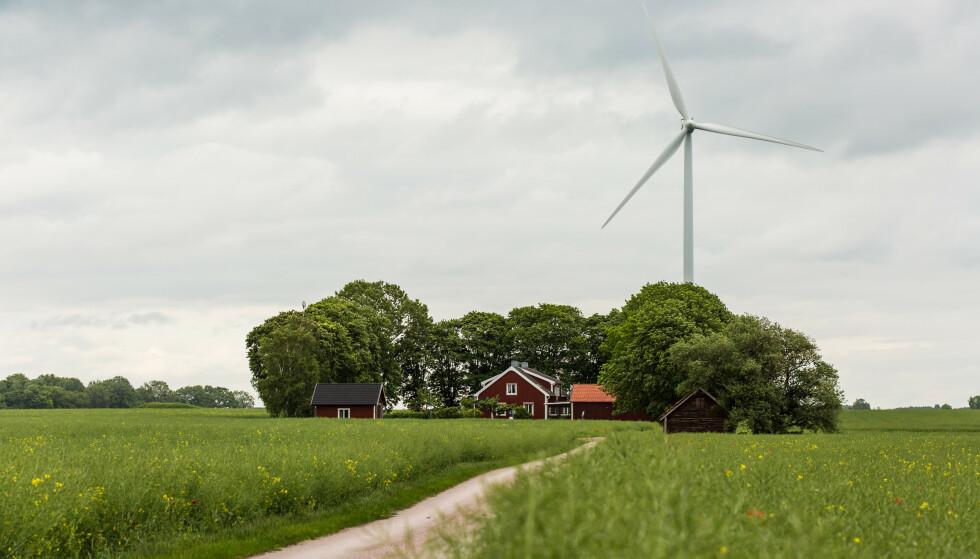 NABOSTØY: En høy, bråkete vindmølle rett ved huset ditt er blant eksemplene på hva som kan senke boligverdien. Foto: Shutterstock/NTB Scanpix.
