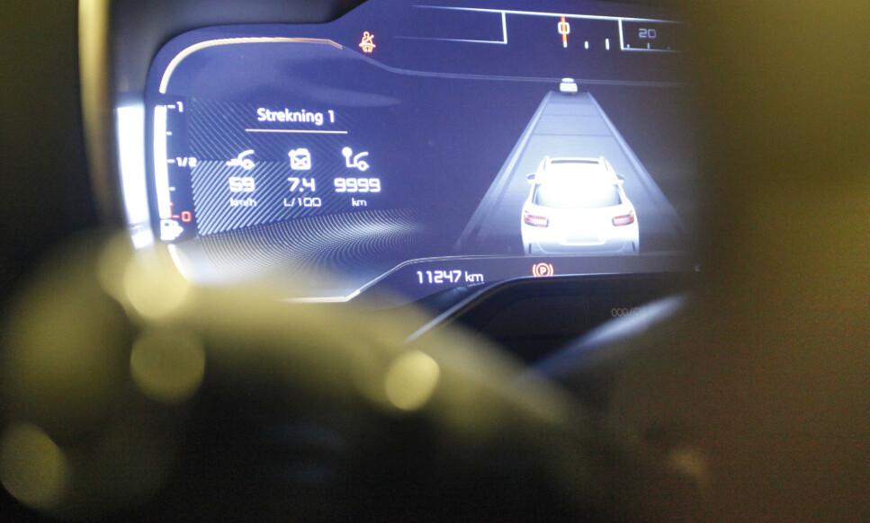 JUKSES: Ifølge NAF jukses det med kilometerstanden tilsvarende flere milliarder i året på bruktbiler i Norge. Foto: Øystein Bergrud Fossum