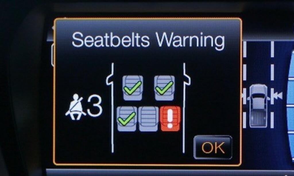 ALLE SETER: Fra 1. september skal alle nye biler ha varsling for bruk av sikkerhetsbelte på alle plasser - også bak - slik at føreren har full oversikt over om noen har glemt beltet. Foto Jeep