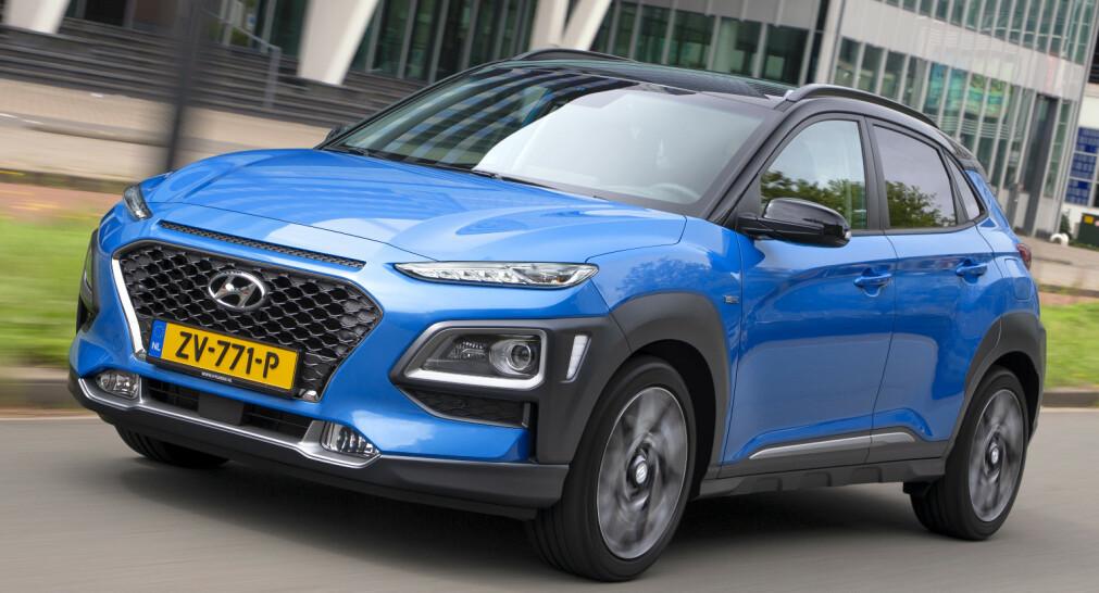 HYBRID: Hyundai er stolte av å ha alle typer drivlinjer, alt fra bensin, letthybrid, hybrid, ladbar hybrid, elektisk og hydrogendrevet. I Norge fjerner man rene bensindrevne alternativer så snart andre drivlinjer blir tilgjengelig. Nå kommer Kona Hybrid og vi har kjørt den. Foto: Hyundai