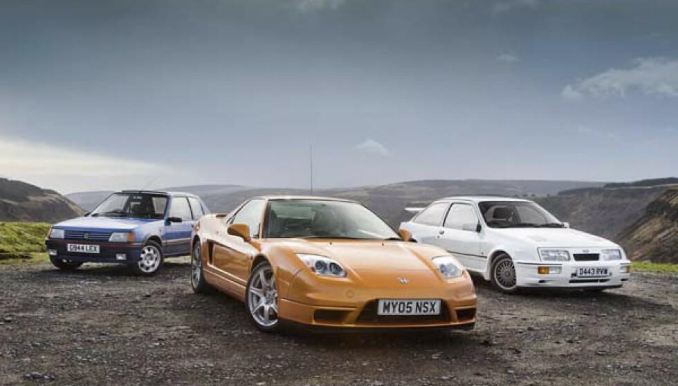 TREKLØVER: Så forskjellige, men med mye til felles. Raske motorer, lav vekt og lav pris. Eide du en av disse på seint åttitall, var du kongen av gata. Fra venstre: Peugeot 205 1.9 GTI, Honda NSX, Sierra RS Cosworth. Foto: Luc Lacey