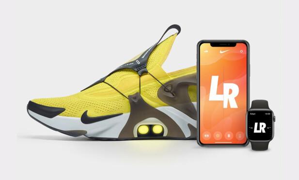 BRUK MOBILEN ELLER KLOKKA: Nike Adapt Huarache kan styres fra Nike Adapt-appen på iPhone eller Apple Watch. Foto: Nike