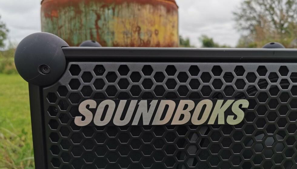 <strong>HJØRNEKULER:</strong> Soundboks er blant annet falltestet mot betong og skal tåle en skikkelig vikingfest. Foto: Pål Joakim Pollen