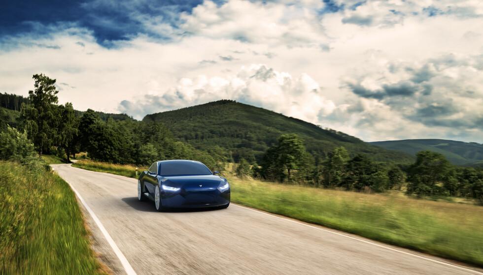 MOT TESLA: Reverie skal bli en elegant luksusbil. Akselerasjon, rekkevidde og toppfart blir imidlertid bedre enn på de største Tesla-modellene, skal vi tro utviklerne. Bilde: Fresco Motors