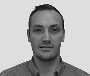 SENKER FARTEN: - Der vi har montert dette fartshinderet har farten gått kraftig ned, sier Christian Ottosson fra svenske Edeva AB.