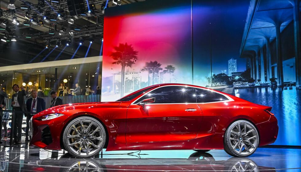 «FORBUDT RØD»: Fargen på konseptbilen har, av en eller annen underlig grunn, fått benevnelsen Forbidden Red. Foto: Jamieson Pothecary