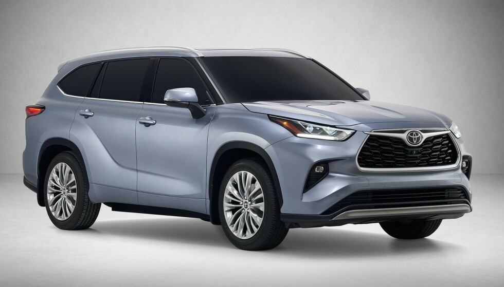 NY OG BEDRE: 2020-modellen blir en helt ny bil, som er bygd på den nye TNGA-K-plattformen. Hybrid-linja vil også bli mer avgiftsvennlig. Foto: Toyota