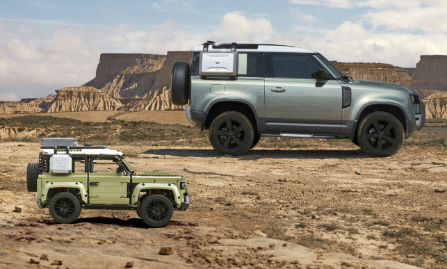 ORIGINALEN OG KOPIEN: Land Rover Defender 90 i Lego Technic og i virkeligheten.