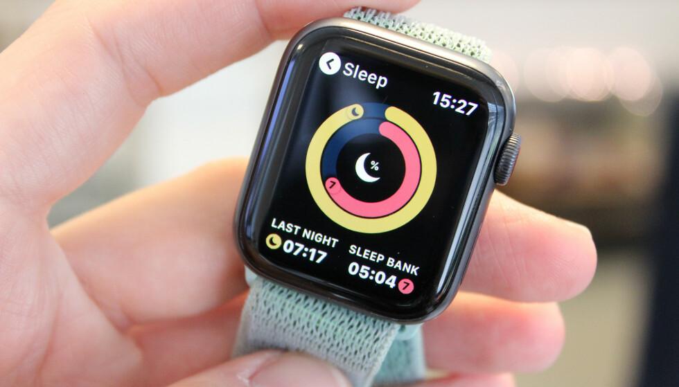 TREDJEPARTSAPPER: Du kan bruke Apple Watch til søvnregistrering, men enn så lenge er du nødt til å bruke en tredjepartsapp. Foto: Kirsti Østvang