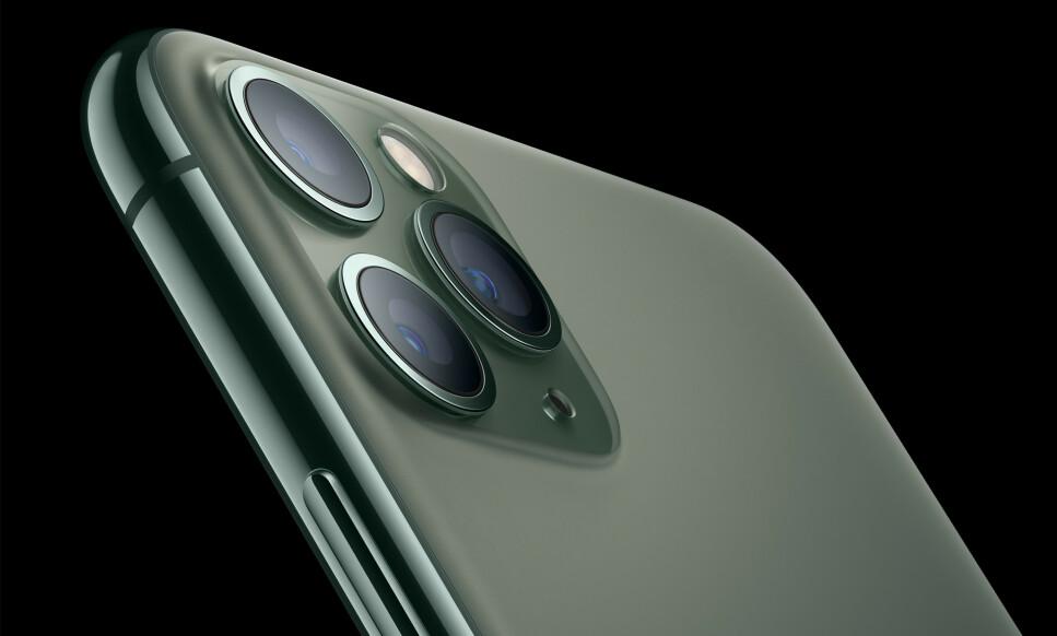 VEKKER OPPSIKT: Jo da, du kan ikke unngå å legge merke til de nye kameraene på iPhone 11 Pro - men nå er det en usynlig nyhet som får mye oppmerksomhet. Foto: Apple