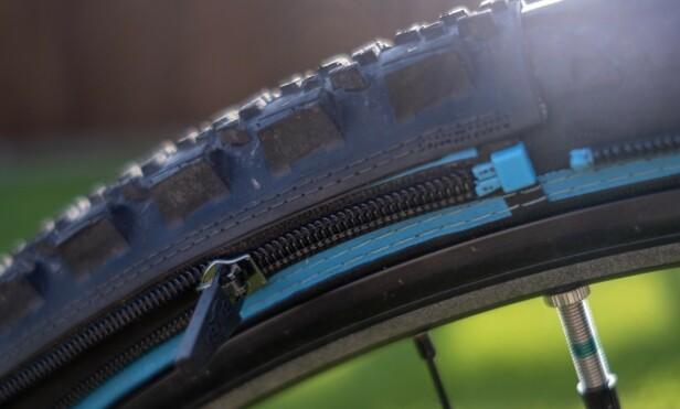 Retyre-skins sitter godt festet med to kraftige glidelåser. Foto: Martin Kynningsrud Størbu