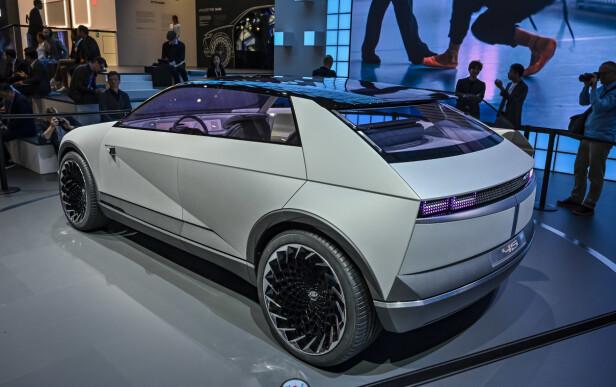 VINKLER OG RENE LINJER: For vår del håper vi neste generasjon elbil fra Hyundai får en fasong i nærheten av dette. Foto: Jamieson Pothecary