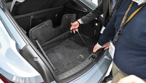 404 LITER: Vi har fått bekreftet størrelsen på bagasjerommet i Polestar 2. Foto: Jamieson Pothecary