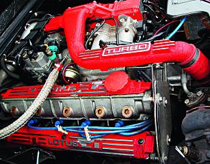 MODERNE: Da Colin Chapman bestemte seg for å turbomate fireren, var det fortsatt en teknologi få merker brukte. Porsche og Saab var de mest kjente da Lotus begynte sin ferd inn i turbomotorens mysterier. Foto: Lord Arnstein Landsem