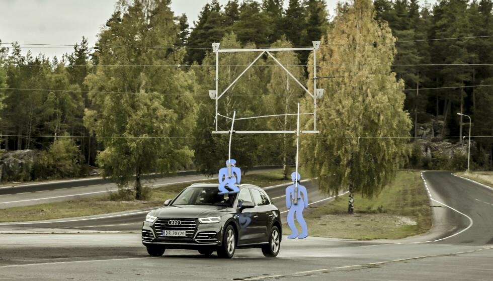 FOR FORT: Når farten økes fra 70 gil 80 km/t går det galt for Bård Hoksrud, som ellers får mye ros av daglig leder på NAFs øvningsbane for å lese trafikkbildet godt. Foto: Jamieson Pothecary
