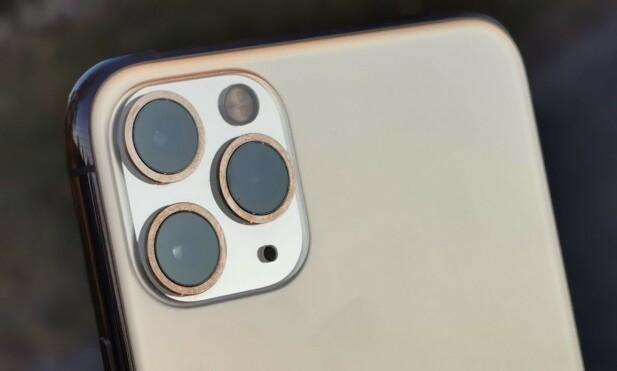 TRE BAK: Ikke bare har teleobjektivet blitt mer lyssterkt – alle de tre nye iPhone 11-modellene har også fått et nytt ultravidvinkelkamera. Foto: Pål Joakim Pollen