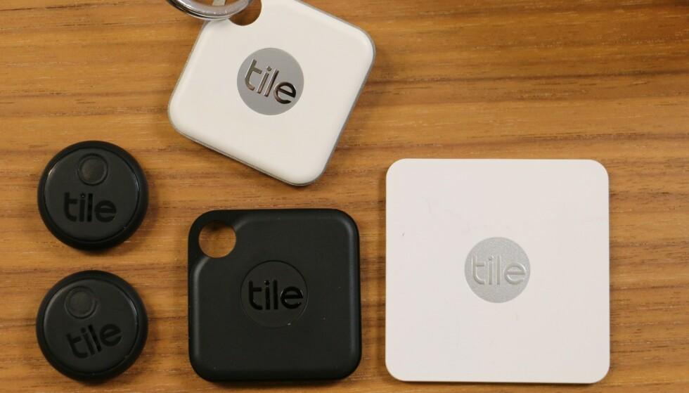 TILE: Sporingsbrikkene gjør det enklere å holde orden på nøkler og lommebøker. Foto: Kirsti Østvang