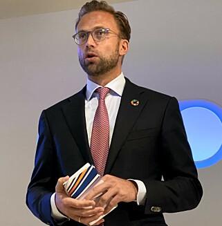 Digitaliseringsminister Nikolai Astrup er glad for Telias ambisjoner om utbyggingen av 5G-nettet i Norge. Foto: Pål Joakim Pollen