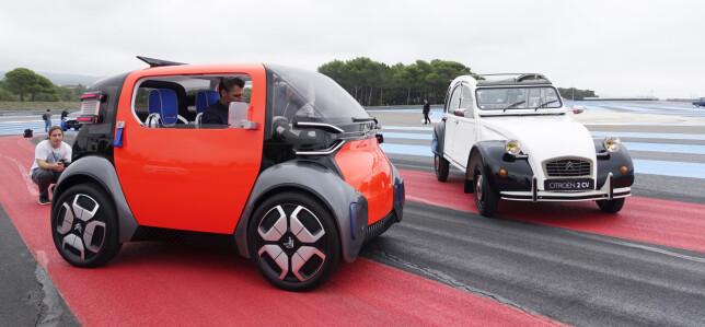 DEN NYE 2CV: Citroën 2CV er like fransk som Eifeltårnet og et ikon som forbindes med Frankrike. Den var genial i sin enkelhet, noe som prøves gjenskapt i den nye konseptbilen. Men, nå er det ikke bondelandet som skal på hjul, men byene. Foto: Rune M. Nesheim