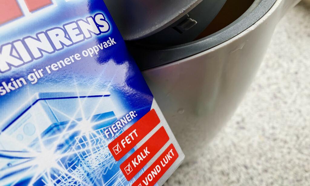 EFFEKTIV: Ja, oppvaskmaskinrens fjerner kalk, slik det står på pakken. Foto: Berit B. Njarga