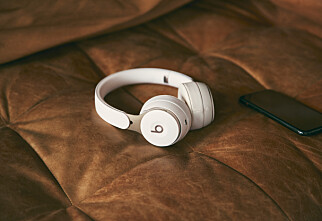 Apples første «on ear»-hodetelefoner med aktiv støydemping