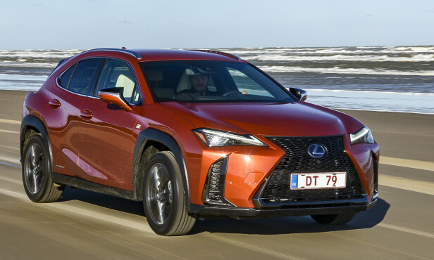 <strong>LEXUS UX:</strong> Pris fra 385.100 kroner. Foto: Jamieson Pothecary