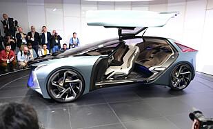 FRAMTIDEN: Konseptbilen Lexus LF-30 viser hva Toyota tenker om elbiler fram mot 2030. Foto: Rune Korsvoll