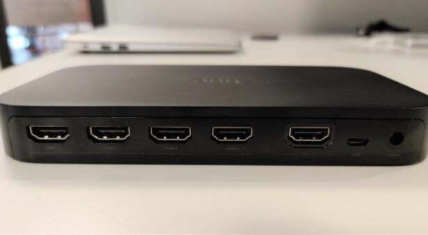 <strong>HDMI-VEKSLER:</strong> Totalt kan du koble til fire HDMI-enheter til Hue Sync Box. Foto: Martin Kynningsrud Størbu