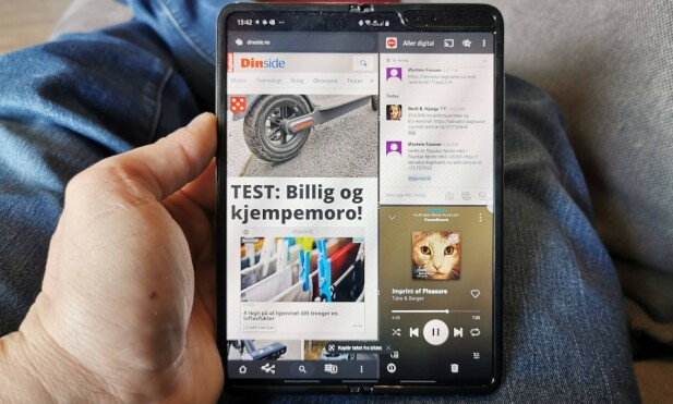 TRE-I-ETT: Om du vil kan du ha tre apper åpne samtidig, men du får ikke dratt og sluppet innhold mellom dem. Foto: Pål Joakim Pollen