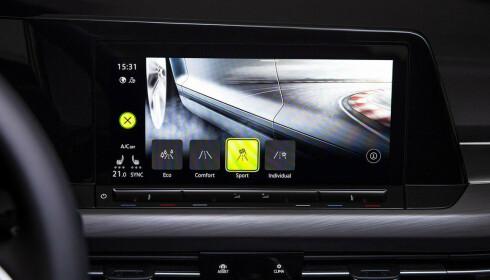 INFOTAINMENT: Slik ser skjermen i åttende generasjon VW Golf ut. Foto: Volkswagen