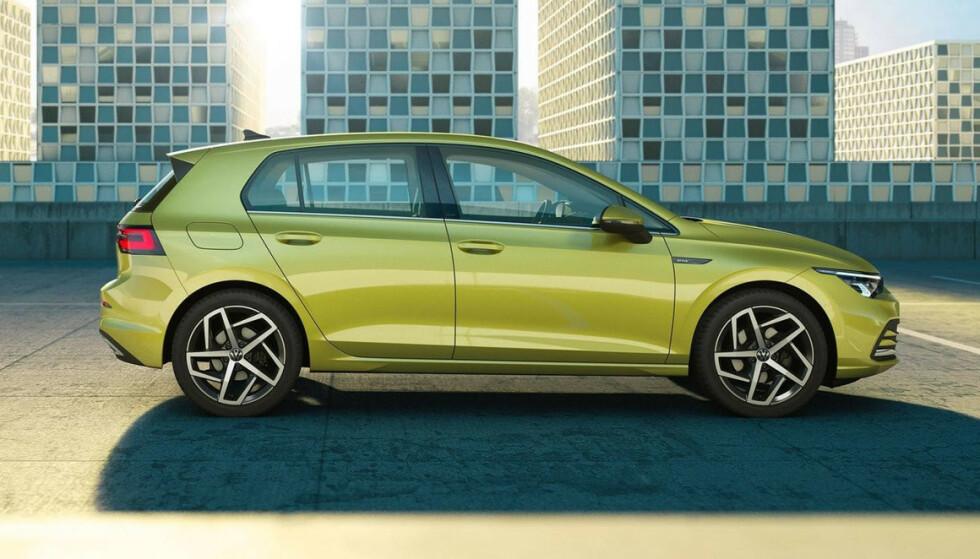 EKSTERIØR: Åttende generasjon VW Golf har vokst noe - men ikke mye. I snitt har en VW Golf rullet ut av fabrikkene hvert 40. sekund - i over 40 år! Foto: Volkswagen