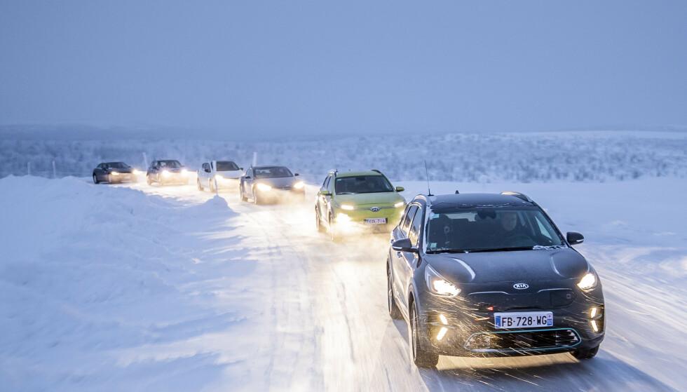 OVERRASKELSE: Vi har testet seks svært populære elbiler i kulda. Elbiler som for eksempel Tesla Model 3 og Audi e-tron er dessverre ikke med her, siden de ikke var tilgjengelige på slutten av forrige vintersesong (da testen ble utført). Derfor blir ikke dette en kåring av beste rekkevidde og mest effektive vinterelbil på markedet denne vinteren.  Foto: Markus Pentikainen