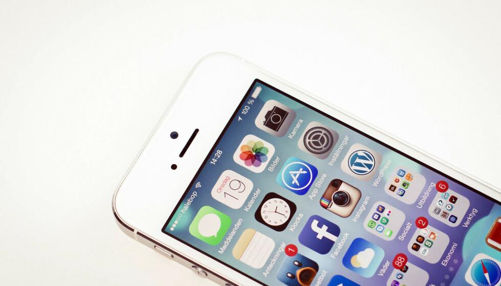 GAMMEL TRAVER: Bruker du fortsatt iPhone 5, bør du sørge for at den er oppdatert innen 3. november. Foto: Olle Eriksson/CC-BY
