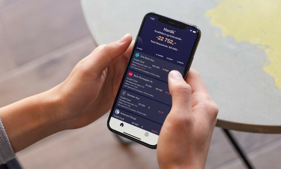 <strong>FULL KONTROLL:</strong> Appen Horde lar deg logge inn hos Gjeldsregisteret og hente ut gjeldsdataene dine, for å så vise den til deg dem i appen, hvor du også kan si opp kredittkort med et par tastetrykk. Illustrasjonsfoto: Horde.
