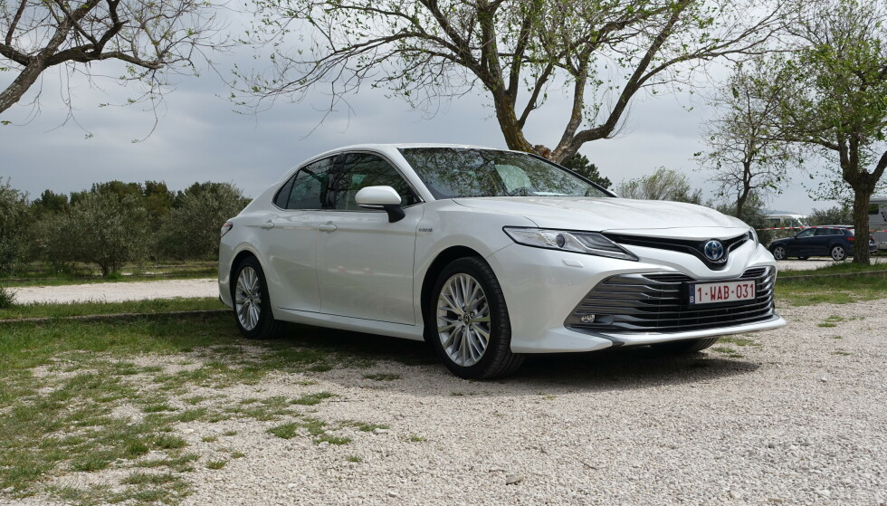 <strong>TOYOTA CAMRY:</strong> Pris fra 429.900 kroner. Foto: Toyota