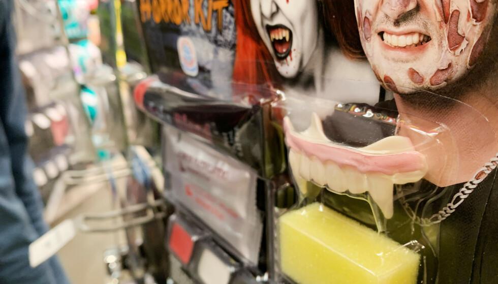KJØPE HALLOWEEN-SMINKE? Les ingredienslista, lyder rådet fra Mattilsynet, som har det overordnede ansvaret for kosmetikk i Norge. Foto: Berit B. Njarga