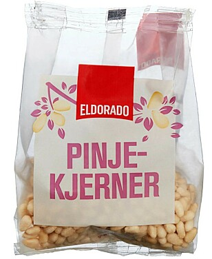 EDLE KJERNER: Pinjekjernene i denne posen koster 900 kroner pr kilo. Foto: Meny