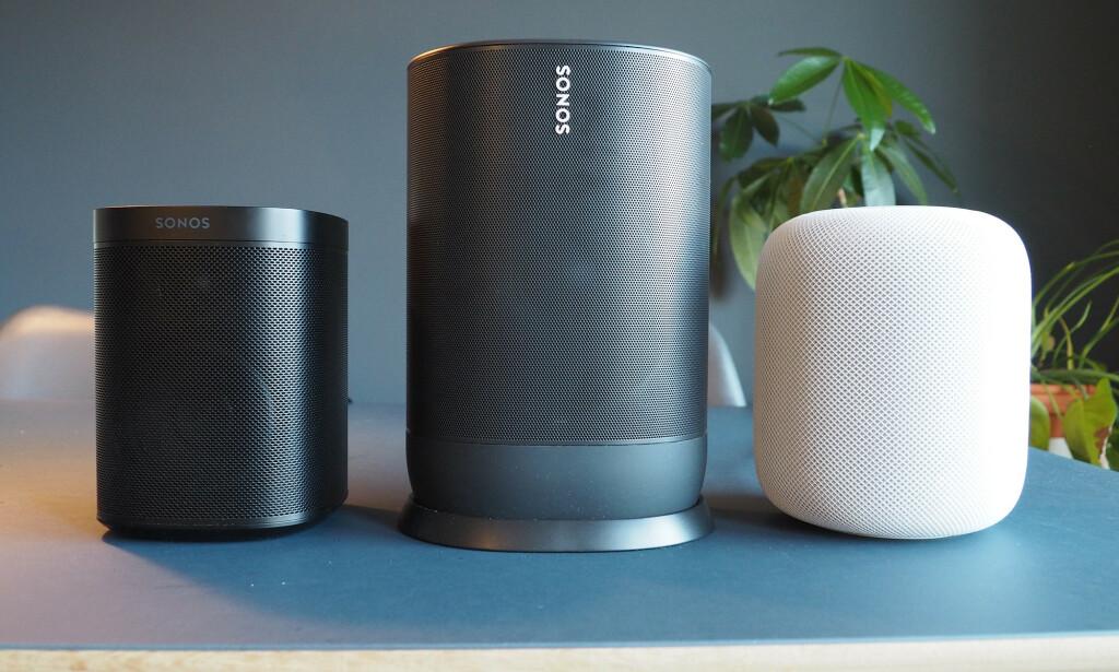 STØRRE ENN HOMEPOD: Sonos Move er vesentlig større enn Apples HomePod-høyttaler. Lyden på sistnevte står for øvrig ikke tilbake for Sonos' høyttaler. Foto: Kirsti Østvang