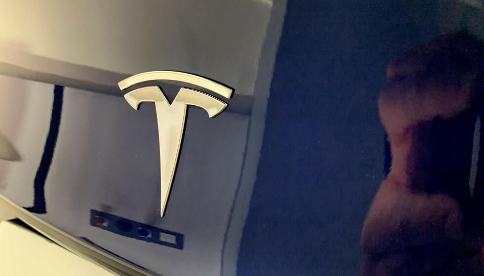 <strong>NY REKORD FOR TESLA:</strong> Den amerikanske elbilprodusenten har levert 255.000 biler i løpet av de ni første månedene av 2019. Tredje kvartal endte med rekordmange 97.000 leverte biler. Foto: Øystein B. Fossum