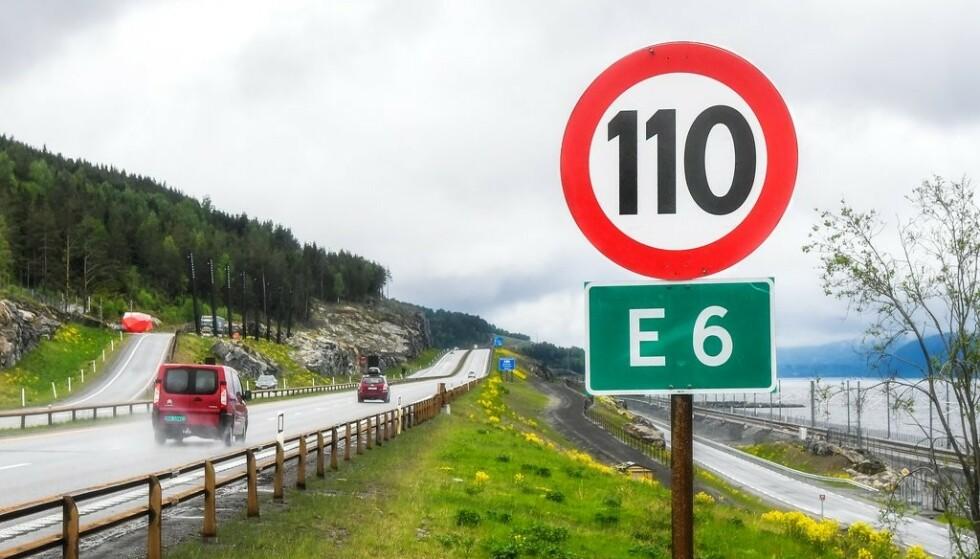 120 KM/T: Om norske motorveger kan få 120 km/t som fartsgrense, er nå ute på høring. Foto: Knut Opeide / Statens Vegvesen