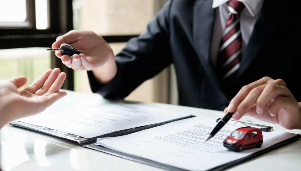 SLIK KOMMER DU DEG UT AV KONTRAKTEN: For privatpersoner er det to måter å komme seg ut av en leasingkontrakt på. Illustrasjonsfoto: Colourbox